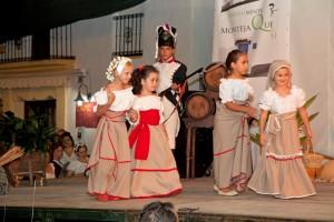 Diseños y Complementos de Carmen Astete en la Pasarela de la Semana Cultural de Montejaque