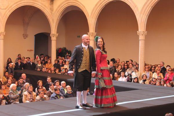 Modelos Trajes de Epoca Romántica, diseñadora Carmen Astete