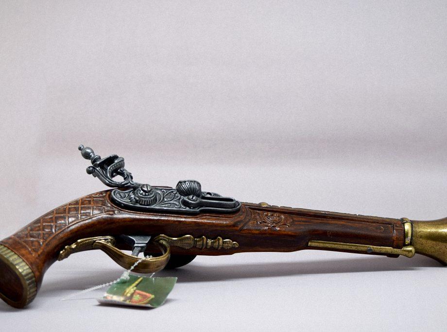 Replica pistola 3 dorada